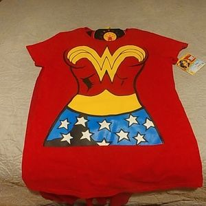 NWT wonder woman shirt with cape